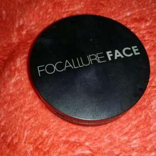 Pressed powder focallure