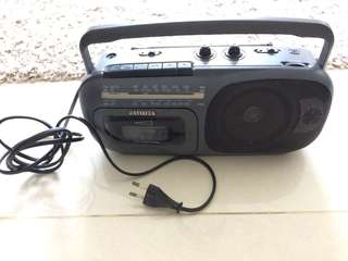 Portable Radio n cassette playing