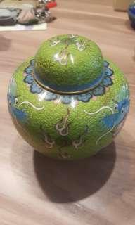 Medium vase with cover copper