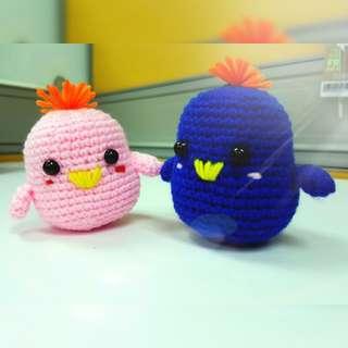 Amigurumi lovebirds