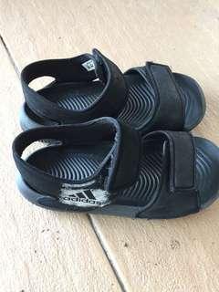 Adidas sandal authenthic