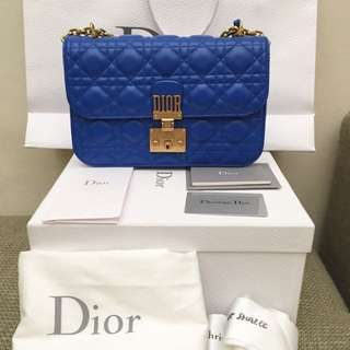 Dior addict medium size
