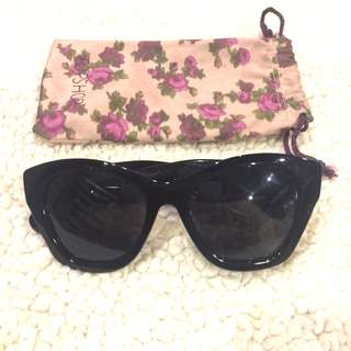 Sunnies bundle (three pairs included)