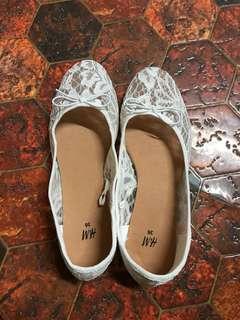 H&M lace flats