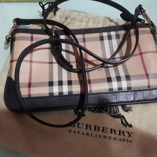 💯Authentic Burberry Sling / crossbody / clutch