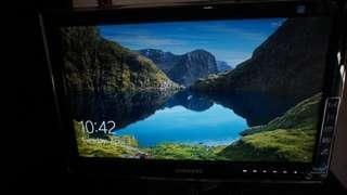 "Monitor Samsung canggih 20"" better than HD"