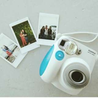Instax mini7s with free batteries