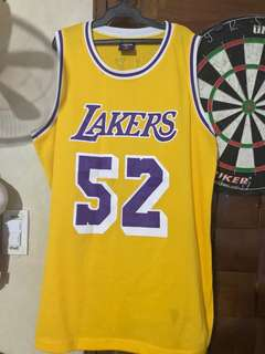 Los Angeles Lakers Jamaal Wilkes size XL jersey Home