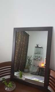 Mirror 73 (p) x 103 (l) cm