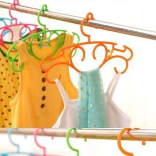 INSTOCK BN Set of 10 Kids Hangers Children Clothes