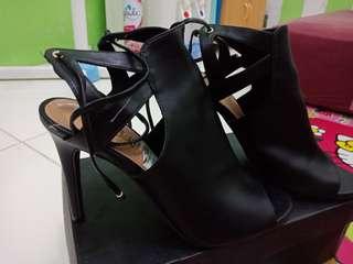 Brash heels