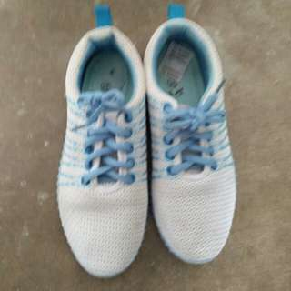 Walking Shoes (l.blue & white)