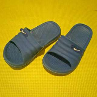 NIKE RUBBER SLIPPERS