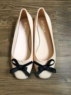 Soft rubber shoes