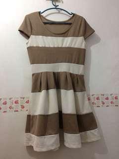Brown/White dress