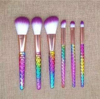 Brush 1 Set (all new)