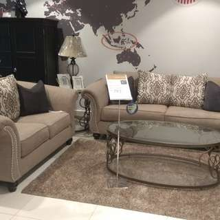 Jonetta Sofa Set