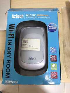 Aztech Wall plugged WiFi repeater