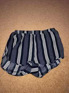 Navy/white stripy flowy shorts