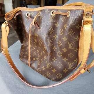 Louis Vuitton Noe 4928 monogram tote bag