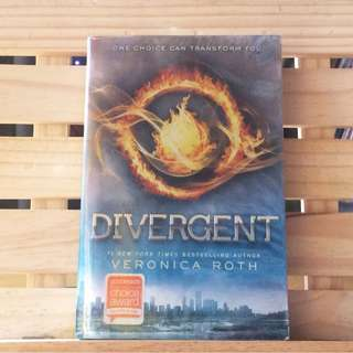 Divergent by Veronic Roth