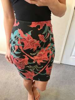 FRENCH CONNECTION SKIRT 6-8