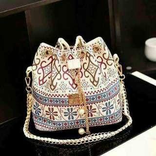 Shoulder bag/Sling bag