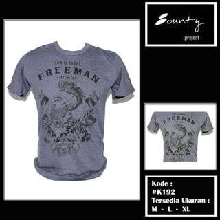 Kaos polos motif freeman!
