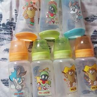 Looney tunes feeding bottles