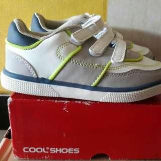 Sepatu anak size 27