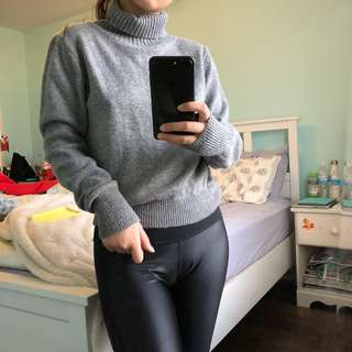 Brandy Melville turtle neck