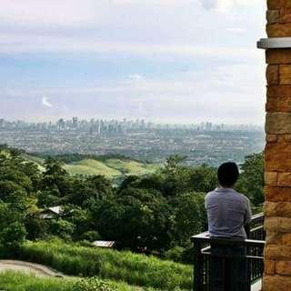 Overlooking Metro Manila property!