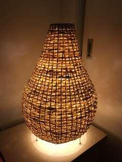 Igloo Bamboo Table Lamp