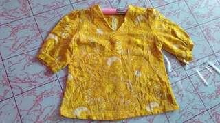 Baju vintage kuning