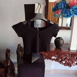 2 way Black crop top w/ zipper