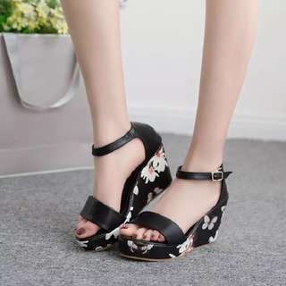 Size 35-39 Floral Peep Toes Wedges