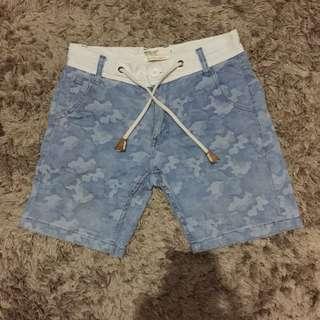 Mogao Shorts