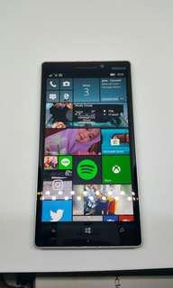 Nokia Lumia 930 green