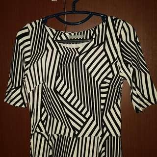 M&S Woman Top Black White