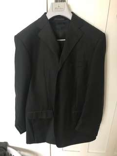 Mens Suit. Size XL. Only Wear once. $20 NOW