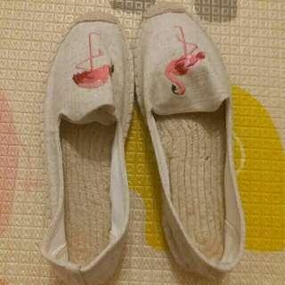 🚚 米色紅火鶴休閒鞋