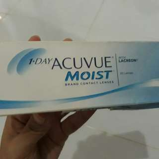 Softlense acuvue moist