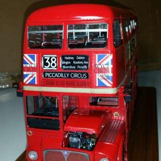 1/24英國巴士,上色完成品,連展示盒