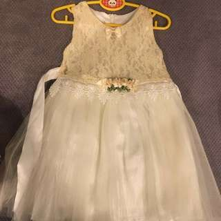 [PL] Gown lovely lace brand for 1Y