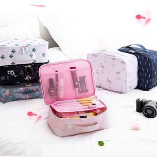 Portable Make up Cosmetic Bag Travel Kit Organizer B14201