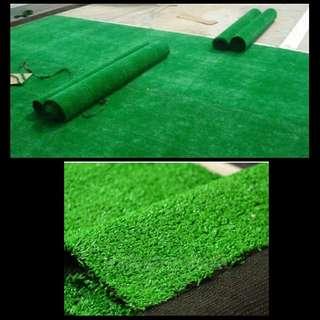 Karpet rumput sintetis