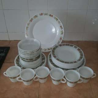 Pyrex spice of life sol dinner set (A)