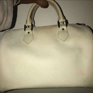 Louis Vuitton white speedy 25' epi leather