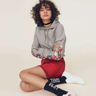 H&M embriodery crop hoodie