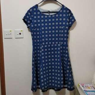 藍色星形圖案連身裙